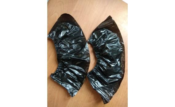 Бахилы полиэтиленовые прочные черные (5 гр.)